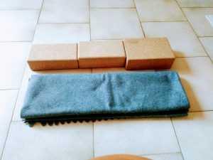 savasana 2 support dos par brique et couvertures